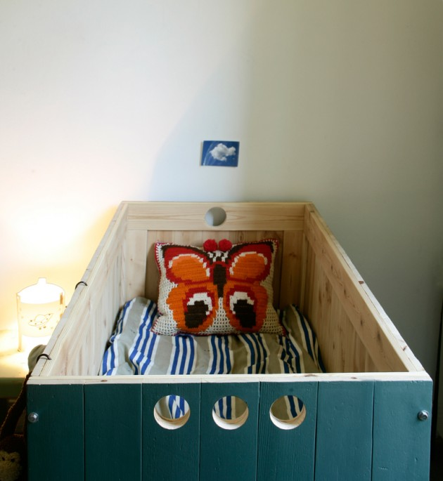 pepe crib in theo's nursery 2