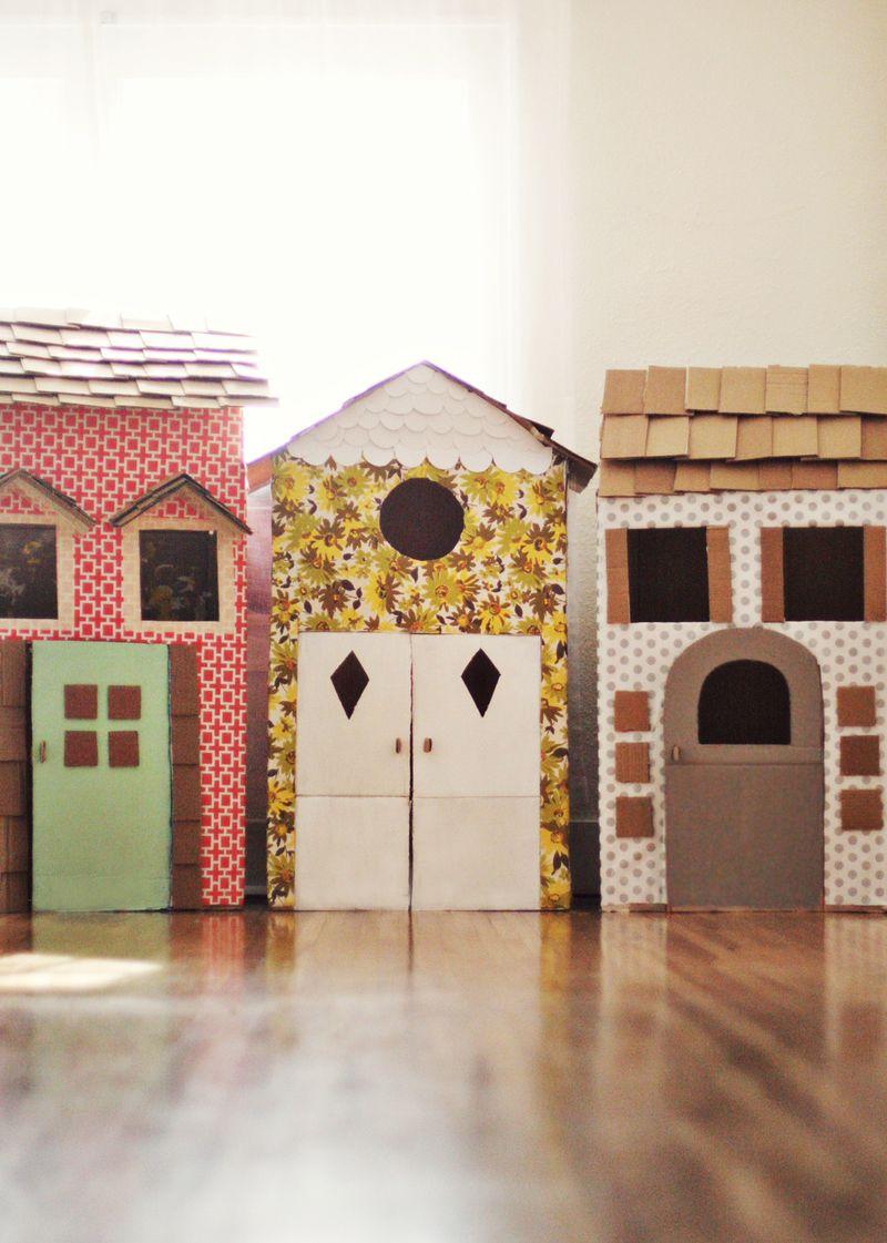 playroom diy cardboard playhouses room to bloom. Black Bedroom Furniture Sets. Home Design Ideas